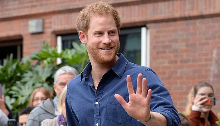 prince harry waving