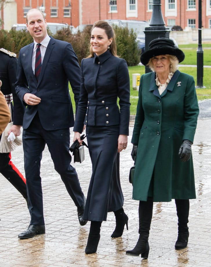 kate middleton navy blue alexander mcqueen outfit