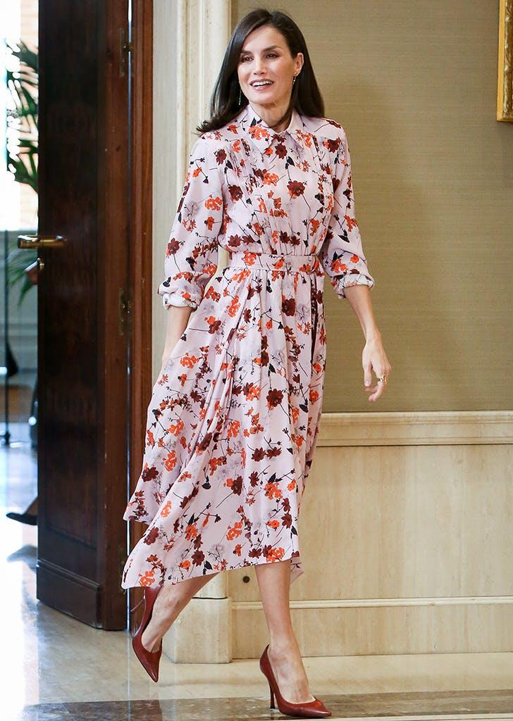 queen letizia rewears dress