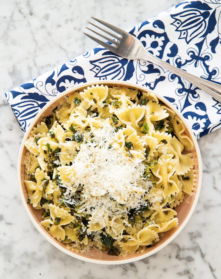 weekly meal plan cheesy kale farfalle pasta