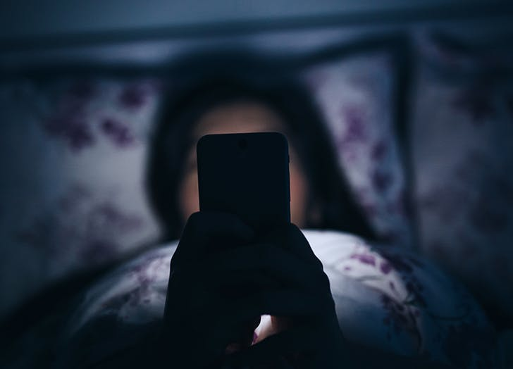 Everyone Is Sexting Right Now. A Sex Therapist Tells Us How It's Done (Even If It's Not Your Thing)