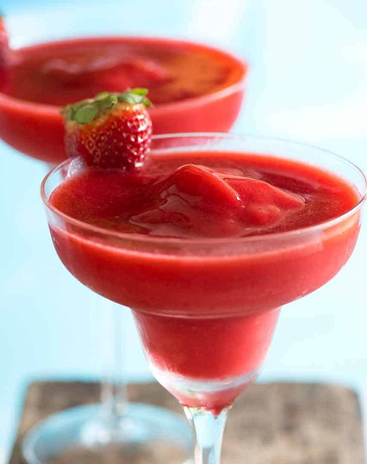 how to make a strawberry daiquiri frozen strawberry daiquiri