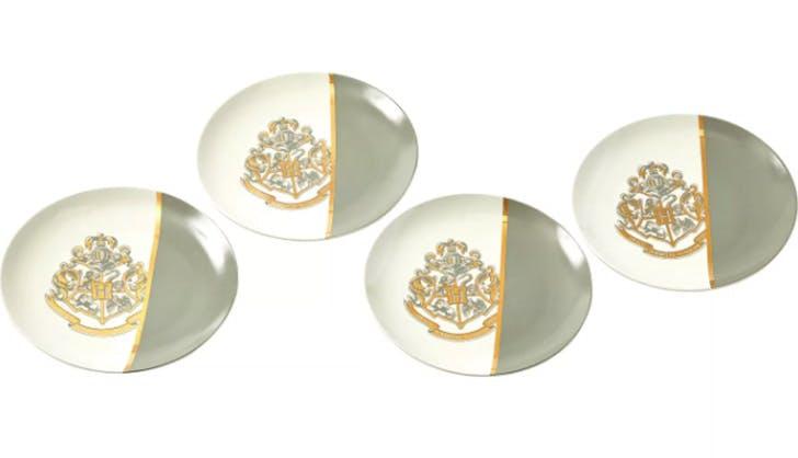 Harry Potter Hogwarts Gold Crest 4 Piece Ceramic Dinner Plate Set