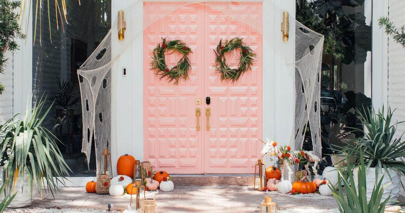 You'll Lose Your Chic Over These Easy Halloween Door Decorations
