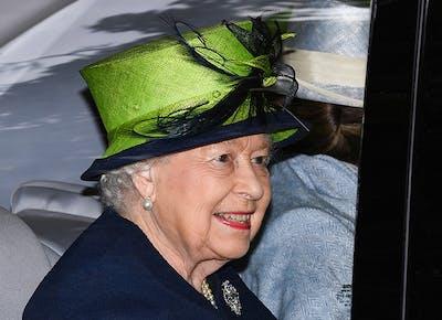 queen elizabeth summer holiday