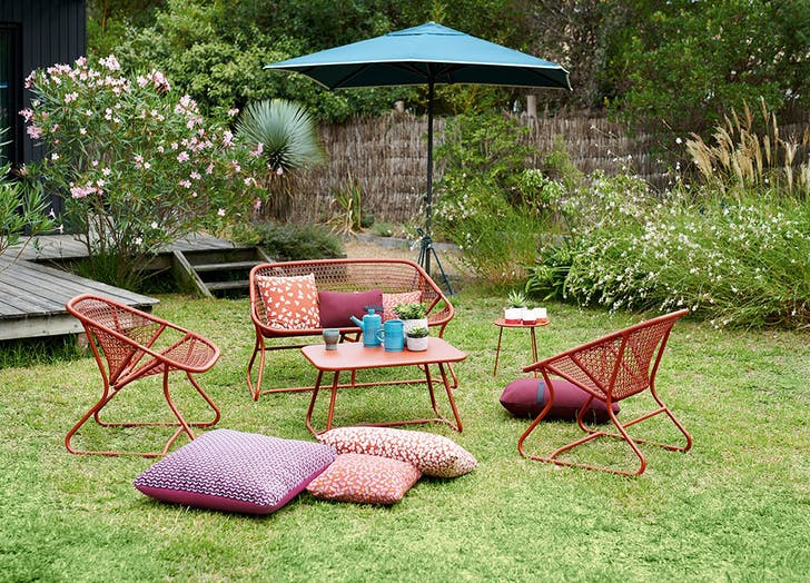 fast yard makeover furniture 728x5241