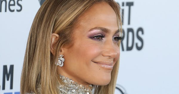 Jennifer Lopez Just Wore a Pink Sequin Face Mask (& It's Finally Back in Stock)