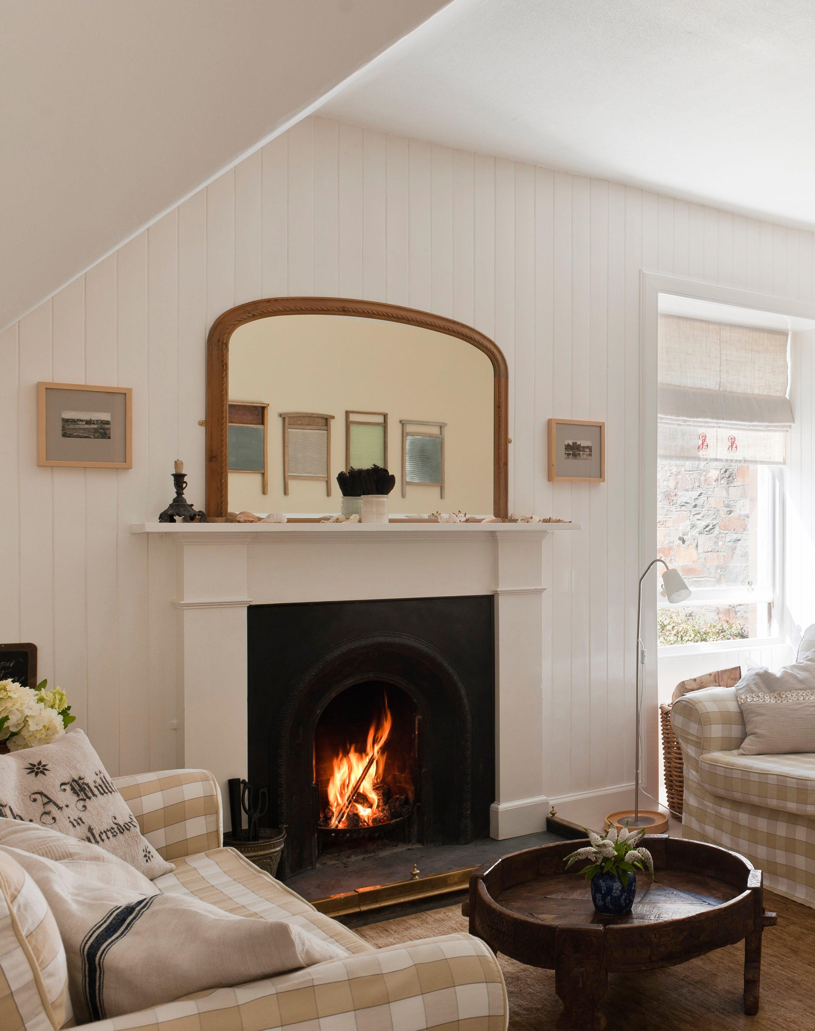 20 Cozy Fireplace Mantel Ideas and Design Inspiration – PureWow