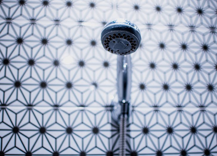 How To Clean A Showerhead With Baking Soda Purewow