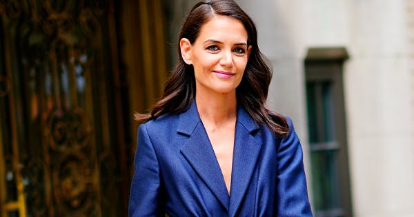 Recreate Katie Holmes's Cozy Date-Night Outfit with These 6 Pairs of Cashmere Sweatpants