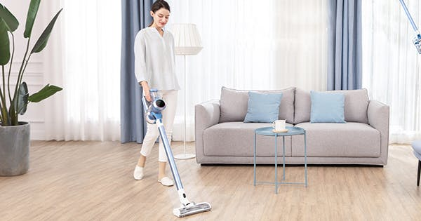 Tineco's Cordless Vacuum is Way Better Than a Dyson—and It's $200 Cheaper