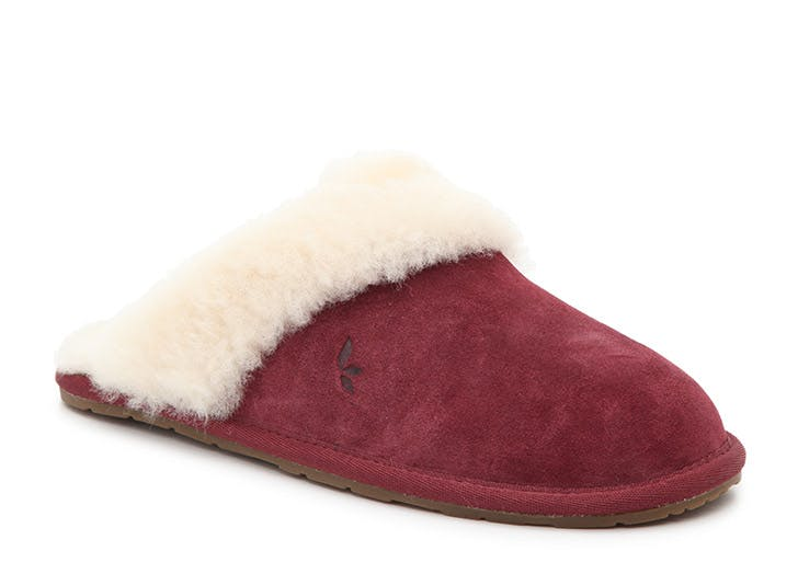 gifts for anyone ugg slippers
