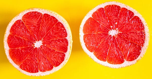 How to Clean Your Bathtub Using a Grapefruit (Plus 6 More Natural Cleaning Alternatives)