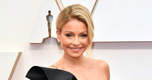Kelly Ripa's New Profile Pic Is Her Dressed as Moira Rose in the 'Schitt's Creek' Finale