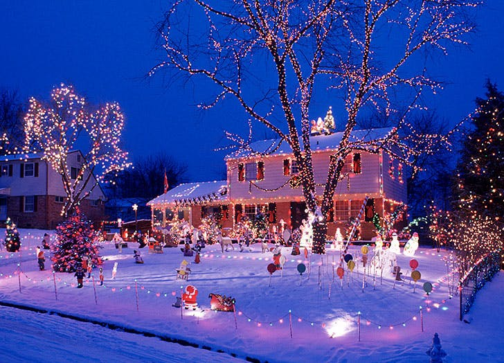 The 15 Best Outdoor Christmas Lights Purewow