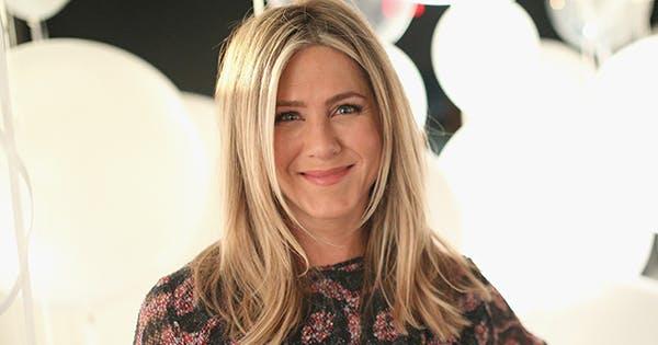 Jennifer Aniston Gives Sneak Peek of Her Bedroom - PureWow