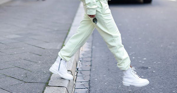 Ask a Fashion Editor: What Kind of Shoes Should I Wear with Sweatpants?