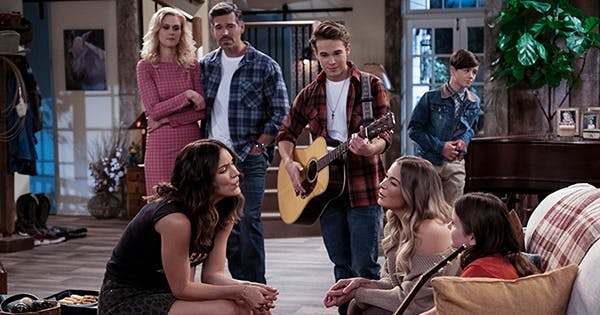 Katharine McPhee's New Netflix Rom-Com 'Country Comfort' Is a Must-Watch