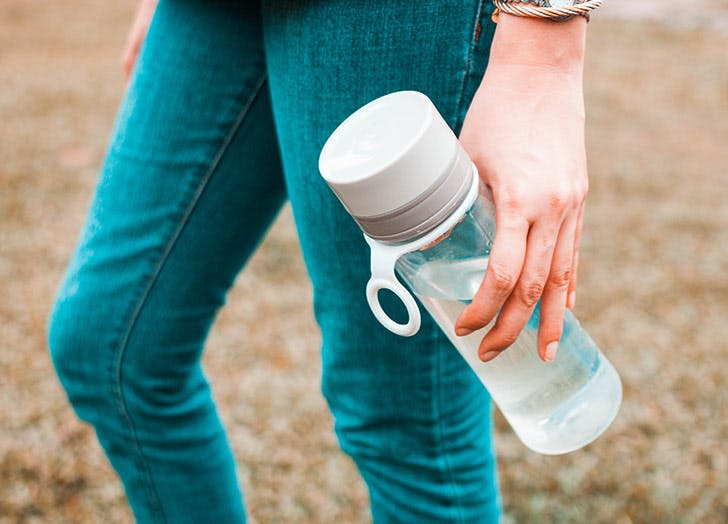 How to Clean a Water Bottle (Because Bacteria Totally Thrives in There)
