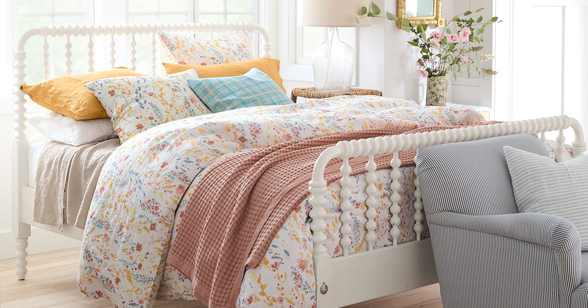 Here's Why You Should Swap Out All Your Bedding for Linen This Spring - PureWow