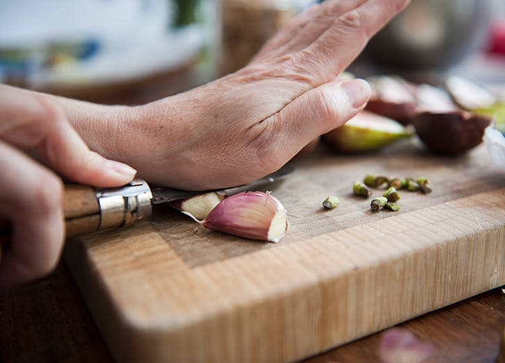 How to Eat Raw Garlic (and Why You Might Want To)