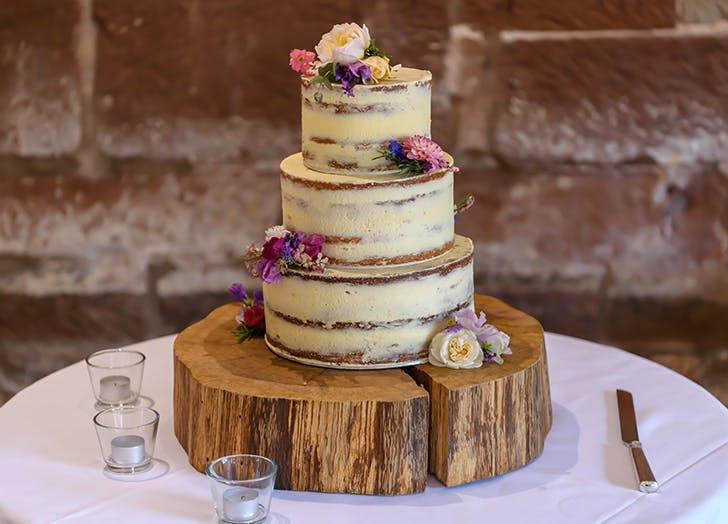 simple wedding cakes 1
