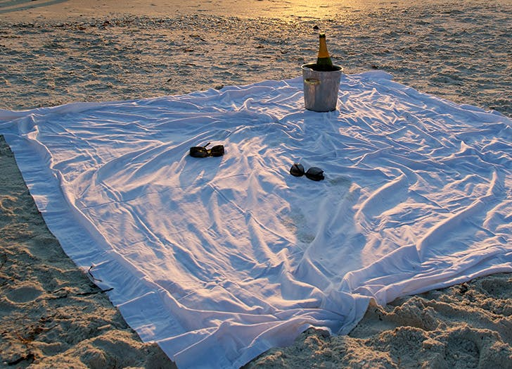 Uses for Old Sheets Beach Blanket