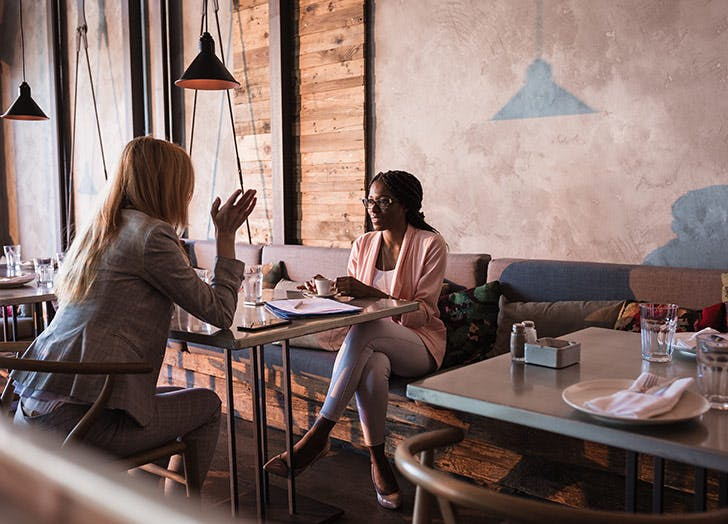 8 Tips for Networking if You're an Introvert (and Schmoozing Is *Truly* Your Idea of Hell)