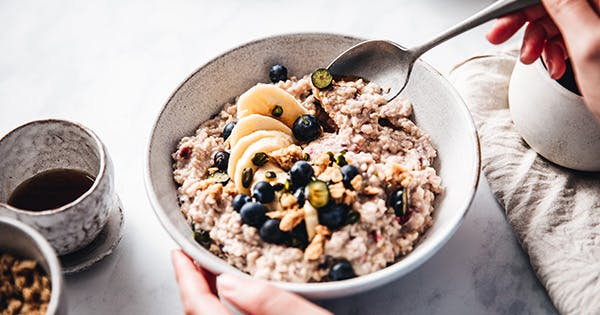 Steel Cut Oats vs. Rolled Oats: What's the Difference Between These Breakfast Foods?