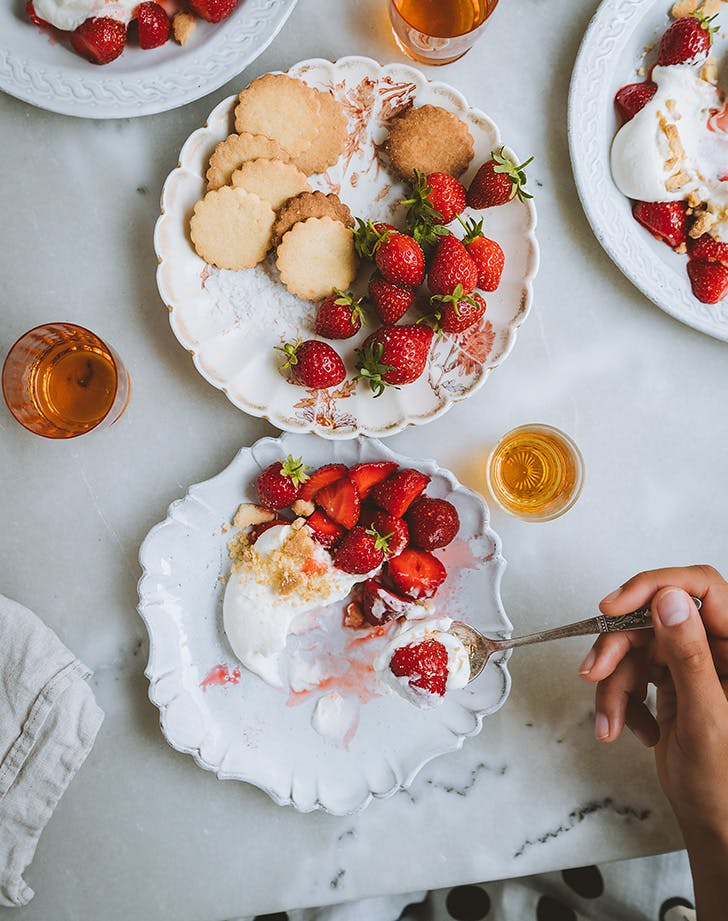 Strawberries and Crème