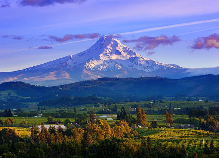 Charming small towns in Oregon HOOD RIVER