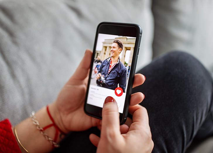 This Is the Biggest Turn-Off on Your Online Dating Profile, According to Eligible Singles