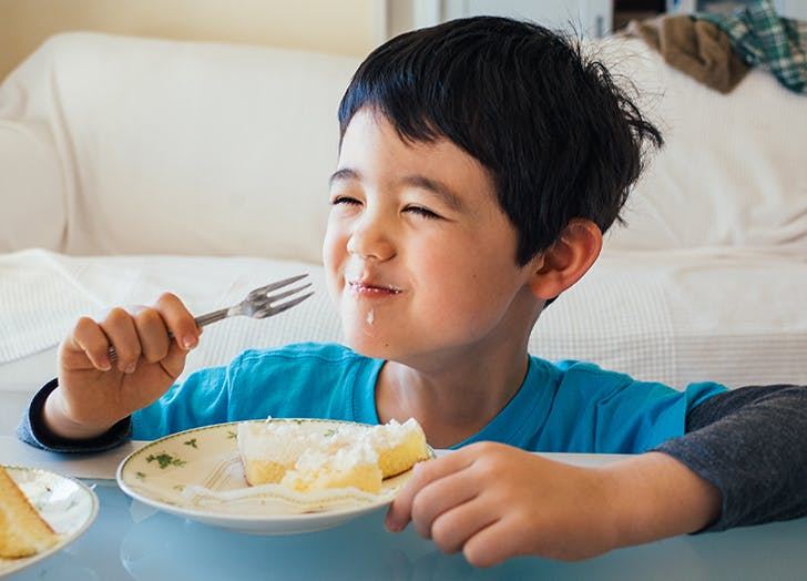 Serve Kids Dessert with Their Dinners, Says Mind-Blowing Nutritionist