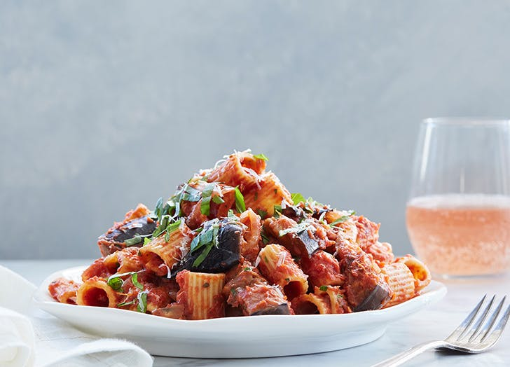 How to Keep Pasta Warm Ahead of Dinner (Because No One Likes Cold, Sticky Noodles)
