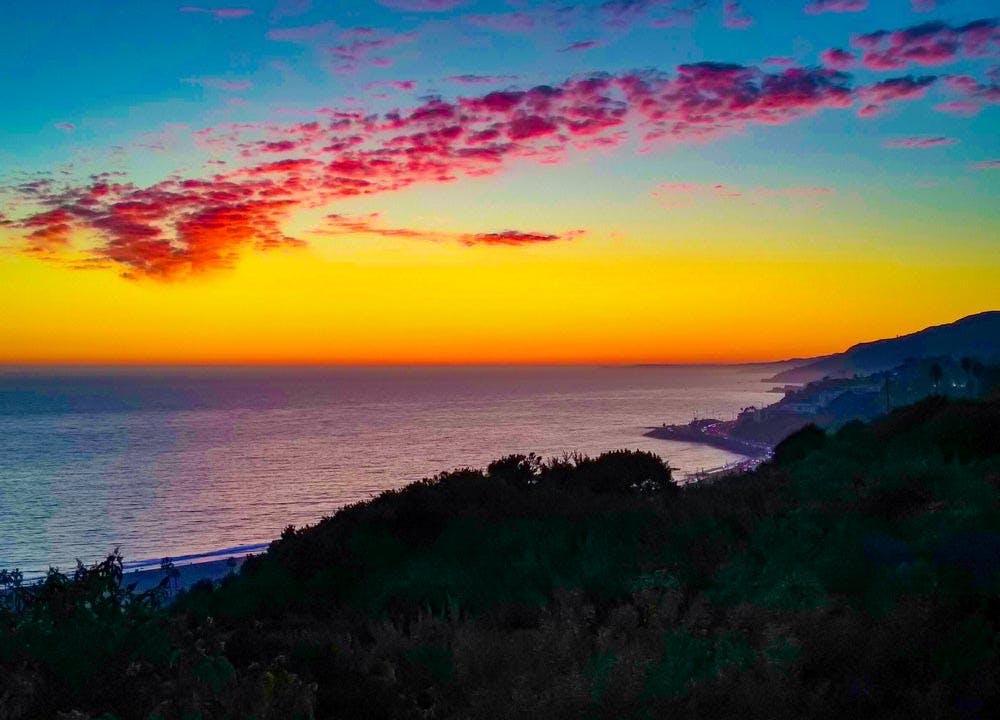 best picnic spots in la palisades bluffs sunset