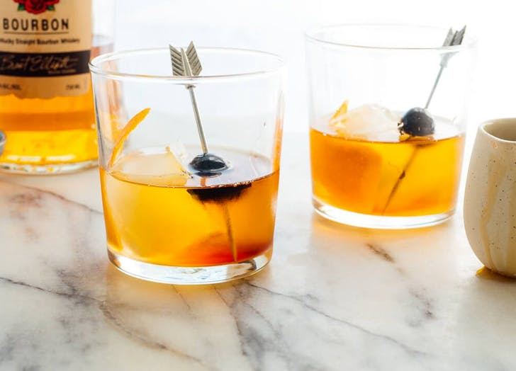 8 Low-Sugar Cocktails That Are Happy Hour Ready (but Not Syrupy Sweet)